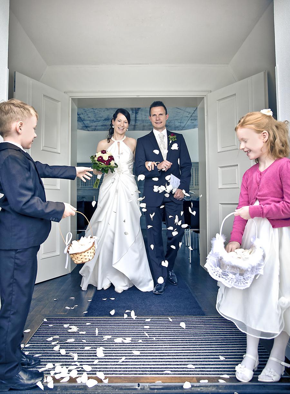 Hochzeit Vineta Blumenkinder Hochzeitsfotograf