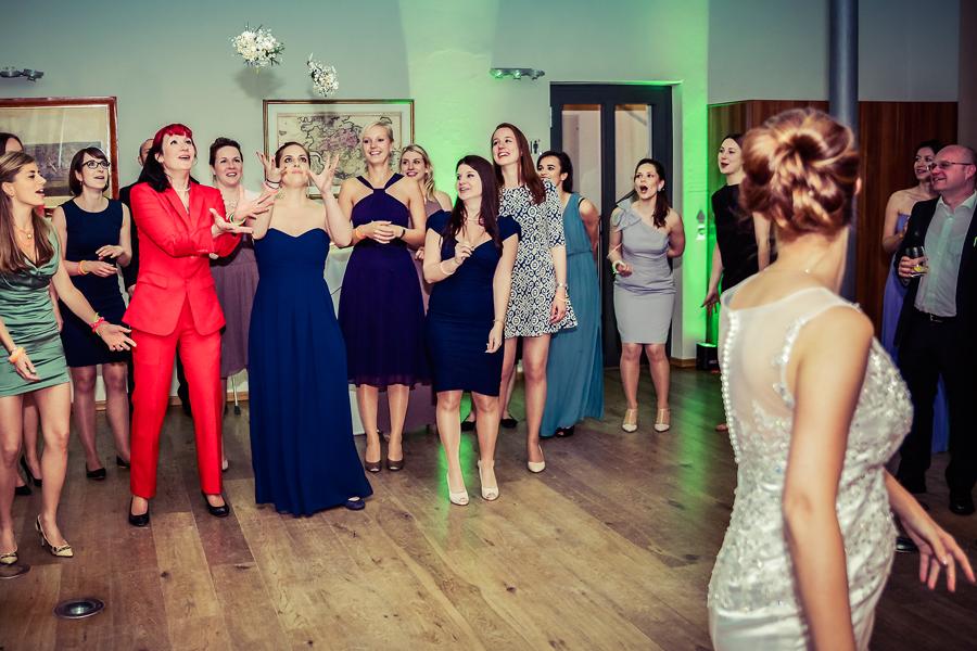 fangen des Brautstraußes