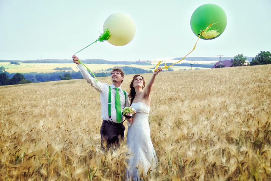 luftballons zur hochzeit die hochzeitsfotografen. Black Bedroom Furniture Sets. Home Design Ideas