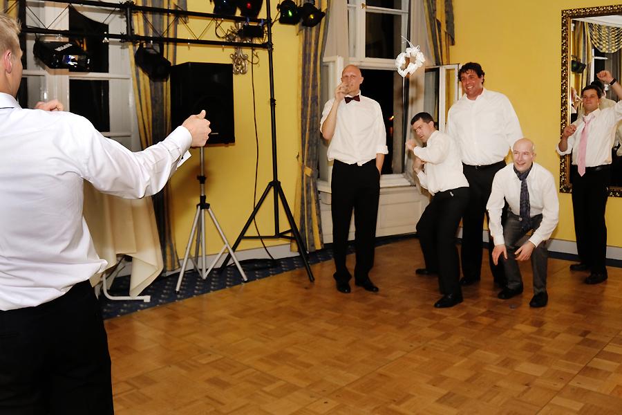 Hochzeit Dresden Feier Fotograf Strumpfband