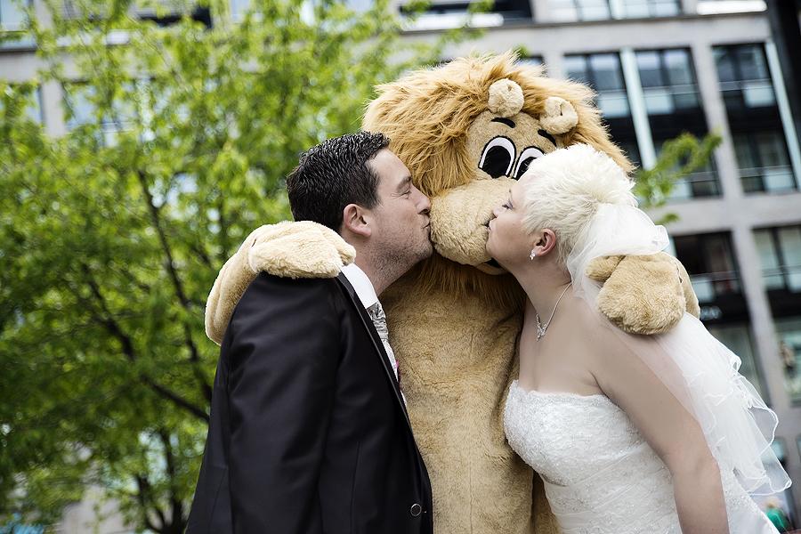 Leipziger Stadtwappen Löwe Maskottchen Brautpaar