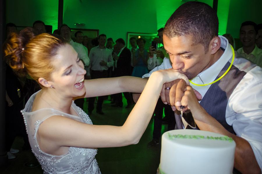 Hochzeitsbrauch Tortenanschnitt