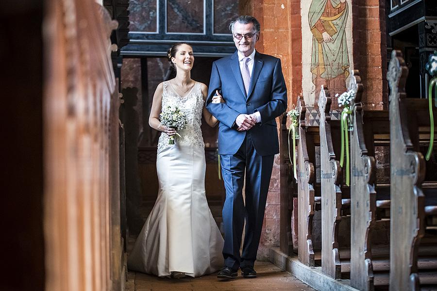 Medialoge-Glückliche-Braut