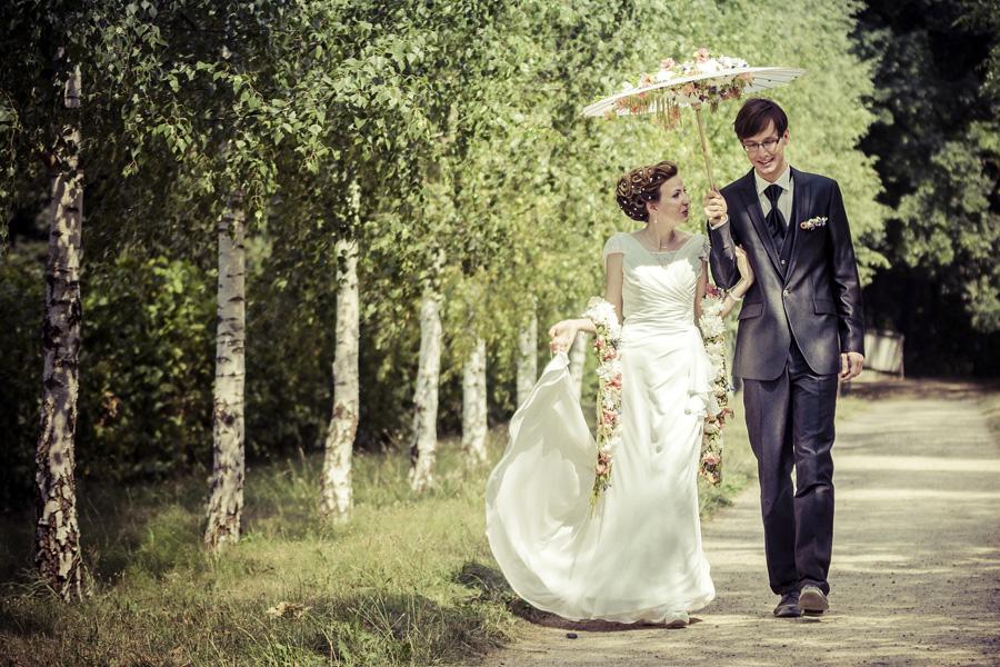 Hochzeit auf Schloss Machern Brautstrauß Blumnstola Sonnenschrim