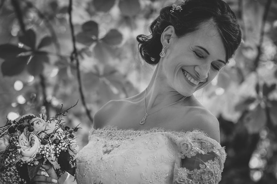 Glücklich sein mit den Hochzeitsfotos - die Wahl des richtigen Hochzeitsfotografen - kreative und moderne Hochzeitsfotografie aus Leipzig