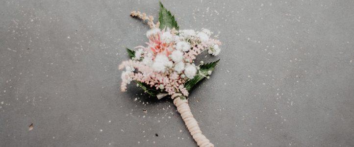 Hochzeitsbrauch – Blumen streuen und Reis werfen