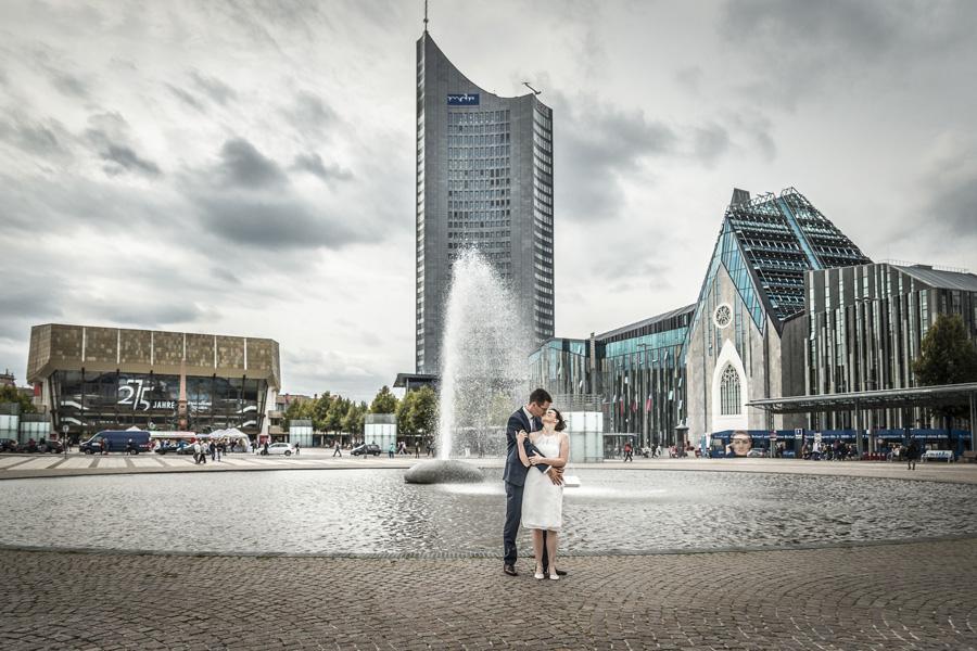 Die Hochzeitsfotografen Leipzig - Zu zweit durch Leipzig