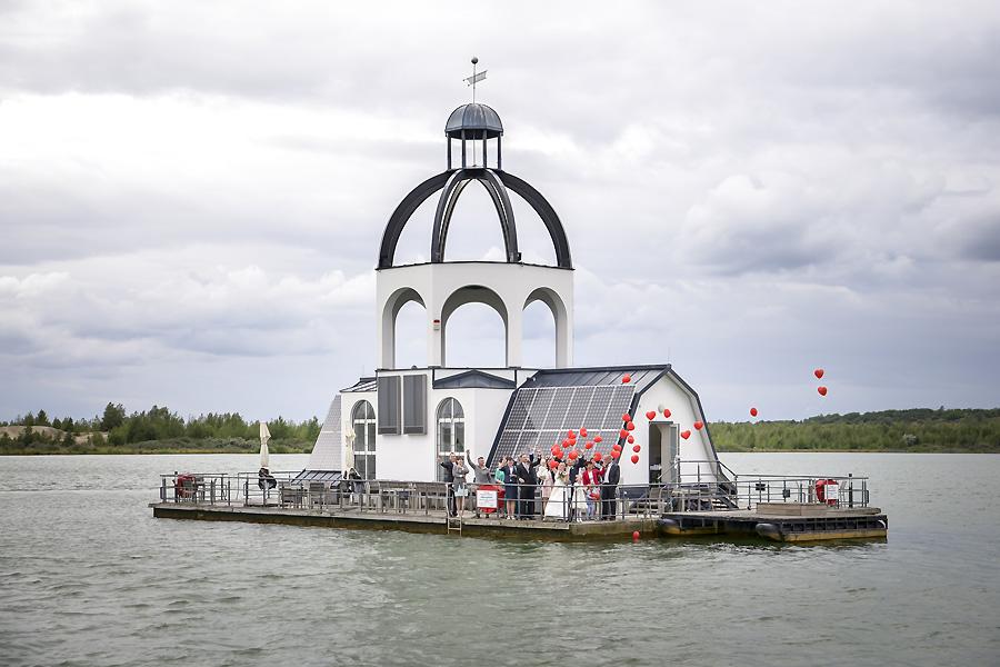 Hochzeit auf Vineta – Die Hochzeitsfotografen am Störmthaler See