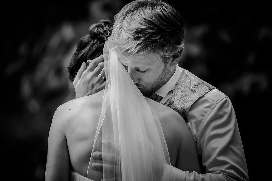 leidenschaftliche Hochzeitsfotos