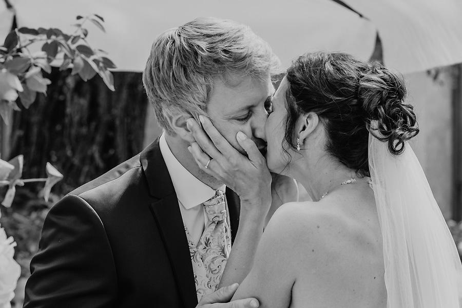 Kuss zur Hochzeit
